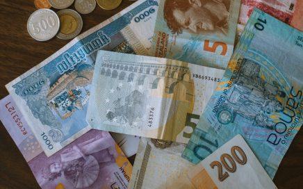 Currency exchange Blakehurst
