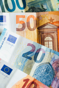 The currency used in Austria is the Euro, €.