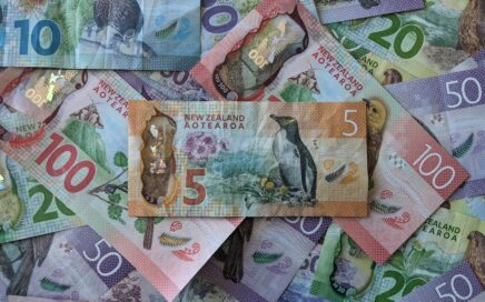 best time to buy NZ dollars